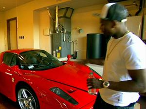 Floyd Maywather vende su Ferrari Enzo