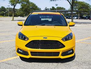 Focus ST ofrece 275 hp gracias a un kit de Ford Performance