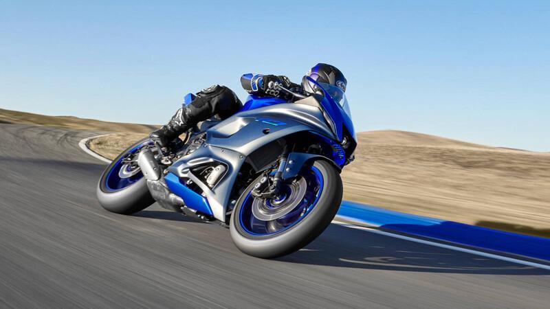 Yamaha R7 2021: más ligera, más madura
