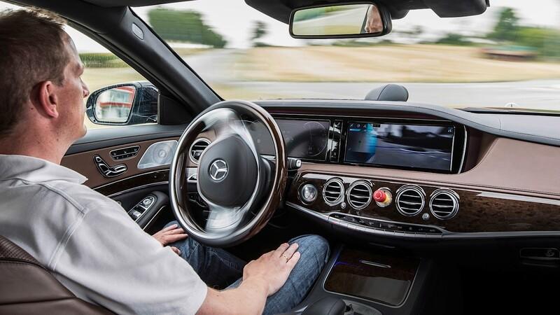 ¿Conductores están preparados para los carros de conducción autónoma?