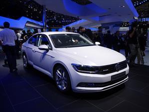 Volkswagen Passat GTE debuta
