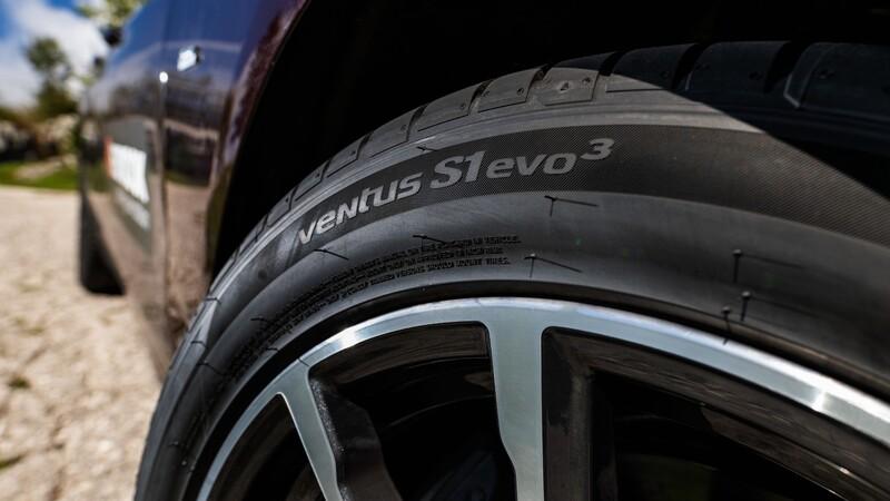 ¿Qué es la resistencia al rodamiento de un neumático?