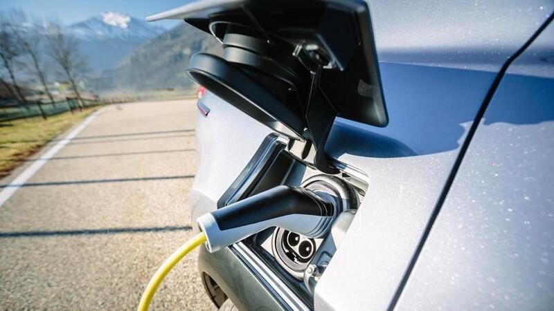 1 de cada 3 autos nuevos vendidos en 2030 será eléctrico