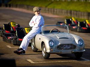 Aston Martin DB Junior, un carro real de miniatura para niños