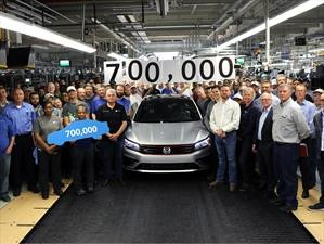 Volkswagen produce 700,000 unidades del Passat