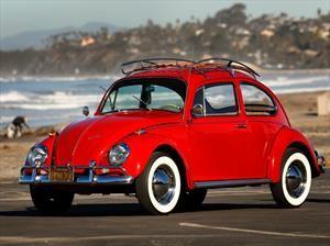Tremenda restauración a un Volkswagen Beetle de más de 50 años de uso