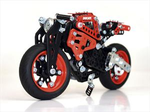 Meccano Ducati Monster 1200 S, un modelo para armar