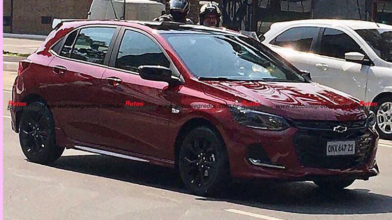 Chevrolet Onix RS se deja ver en Brasil