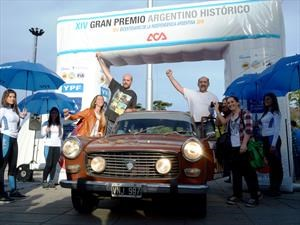 Peugeot se luce en el Gran Premio Argentino Histórico