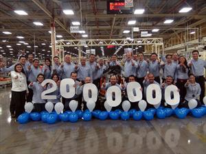 Chrysler produce su motor 2 millones en México