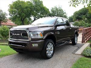 RAM 2500 y 3500 Heavy Duty Laramie Longhorn Ram Rodeo Edition, lujo y poder