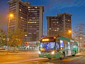 Bus Volvo híbrido se une a flota del Transantiago