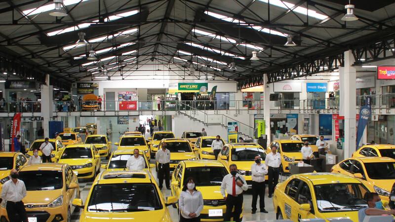 Antes de subirse a un taxi verifique si cumple con las medidas de bioseguridad