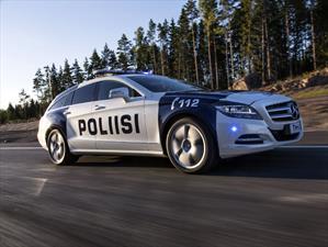 Policía de Finlandia multa con 57,000 dólares a un automovilista