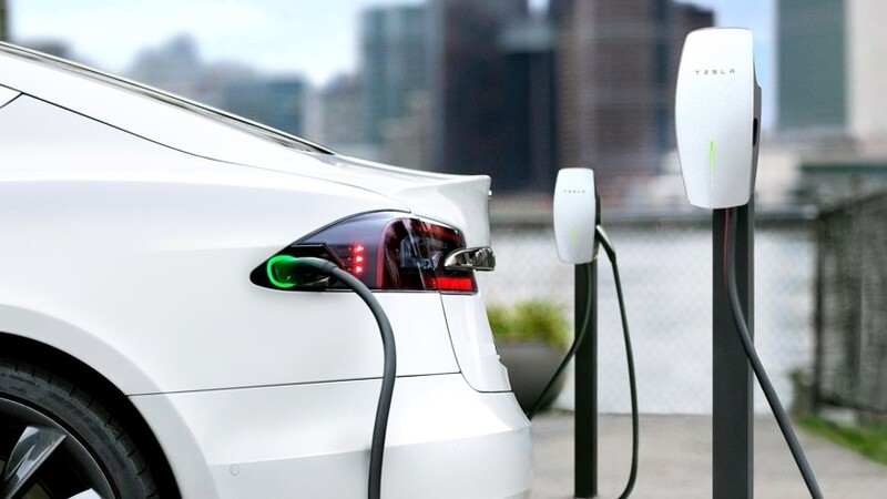 Conoce las marcas que lideran el mercado mundial de autos eléctricos