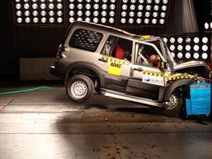Reprueban autos indios pruebas de choque