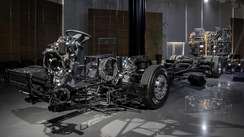 Presentan primer bus eléctrico regional de Mercedes-Benz