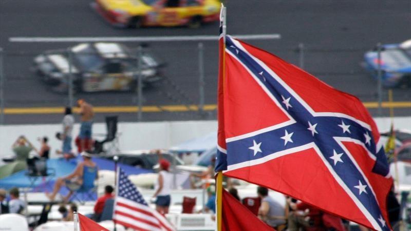 ¿Por qué NASCAR finalmente ha vetado las banderas confederadas en sus carreras?