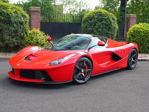 Ferrari LaFerrari con 117 kilómetros a la venta