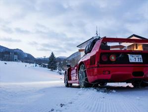 Ferrari F40 sube una montaña nevada