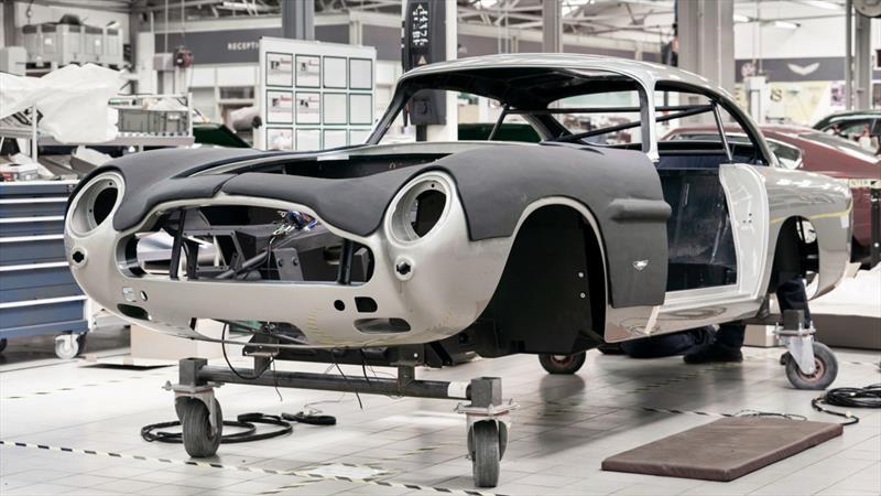 El Aston Martin DB5 de James Bond ya está en producción