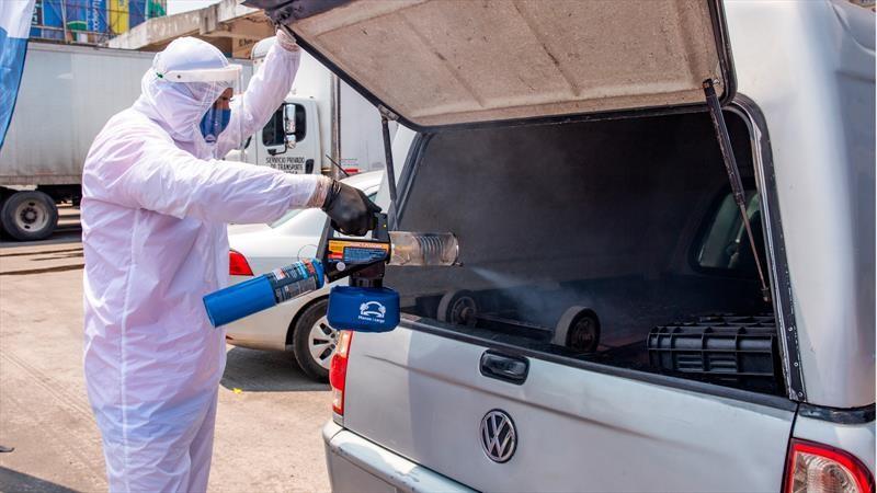 Volkswagen ayuda a sanitizar la Central de Abasto de la CDMX