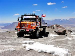 Camión Mercedes-Benz Zetros logra récord mundial en Chile