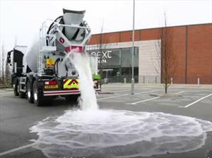 Crean asfalto que absorbe el agua