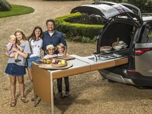 Video: Land Rover transforma un Discovery en una cocina con ruedas para Jamie Oliver