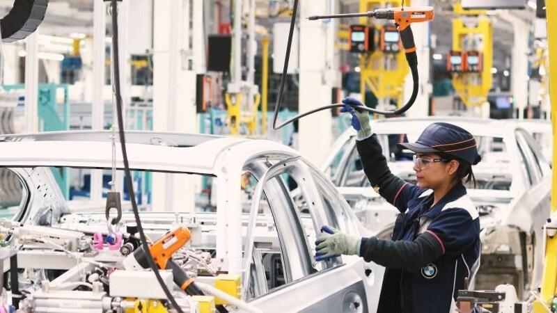 Cae drásticamente la producción y exportación de automóviles en México