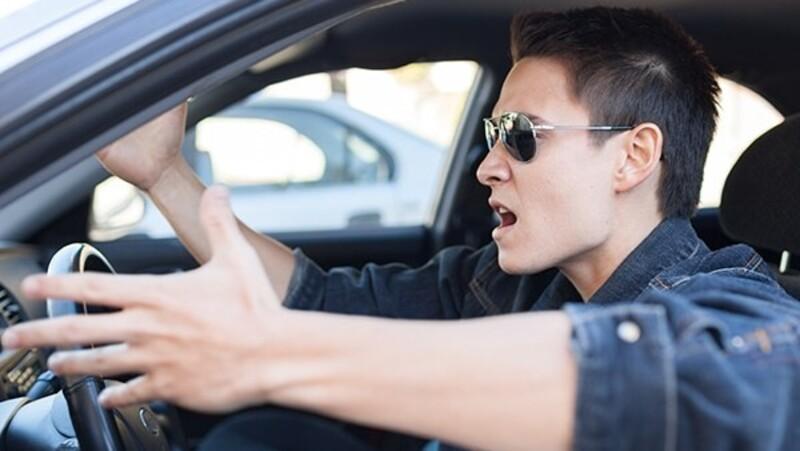 Estos son los autos con los conductores más groseros en 2020