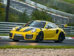 Porsche 911 GT2 RS es el nuevo monarca de Nürburgring