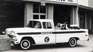 Para celebrar 60 años en Estados Unidos, Honda restaura una Chevrolet Apache 10