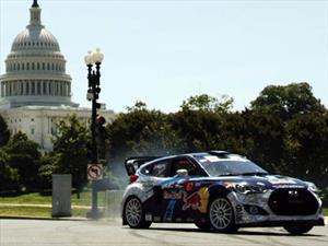 Video: Hyundai Veloster Turbo derrapando en Washington D.C.
