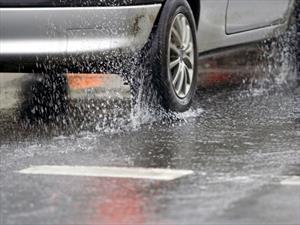 10 consejos para manejar con lluvia