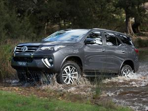 Ya es oficial, esta es la nueva Toyota SW4