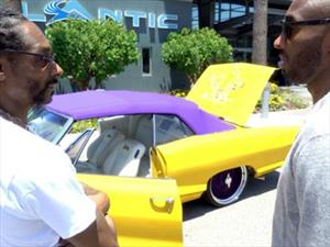 Snoop Dogg regala un convertible a Kobe Bryant