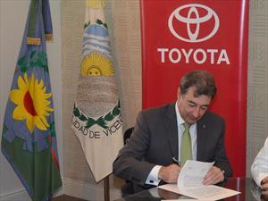 Toyota Argentina realizó el acto del cierre lectivo de Instituciones Educativas 2012