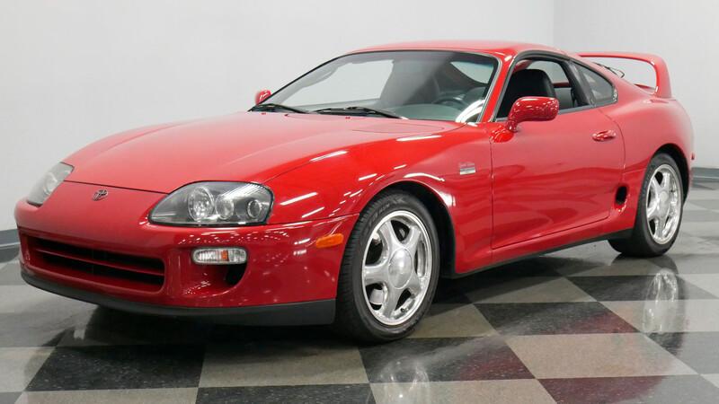 Este Toyota Supra 1997 cuesta más que dos de nueva generación