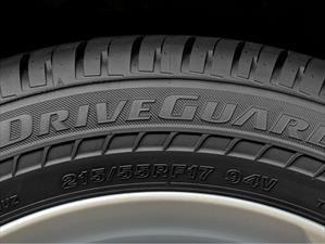 Las principales funciones de los neumáticos en los automóviles