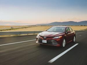 Toyota Camry Híbrido 2019 a prueba, eficiencia sin sacrificar emoción