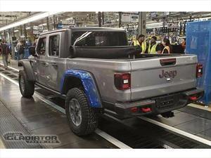 Se filtran fotos de la producción de la Jeep Gladiator