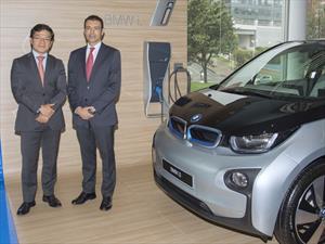 BMW recargará sus carros eléctricos con energía solar