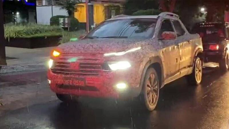 Nueva FIAT Toro 2022, más detalles de la pickup que se ven de noche