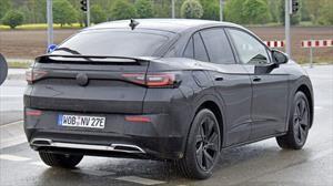 El Volkswagen ¿ID.4 Coupé o ID.5? es espiado en pruebas urbanas