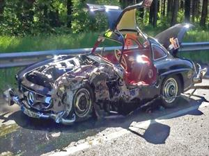 Destrozan a un Mercedes-Benz 300 SL Alas de Gaviota
