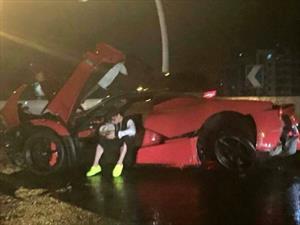 Destruyen una Ferrari LaFerrari en China