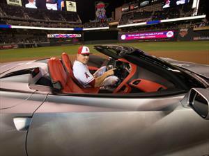 Chevrolet entrega un Corvette al MVP del Juego de Estrellas de la MLB