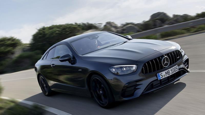 Mercedes-Benz Clase E Coupé 2021 se refresca con hibridación