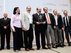La Planta Cuernavaca de Bridgestone recibe el Premio Estatal de Ahorro de Energía 2013